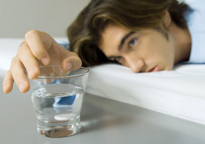 Bồi bổ rượu rắn quá nhiều gây liệt dương ở nam giới
